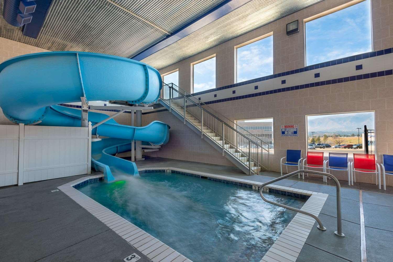 Pool - Baymont Inns & Suites Colorado Springs