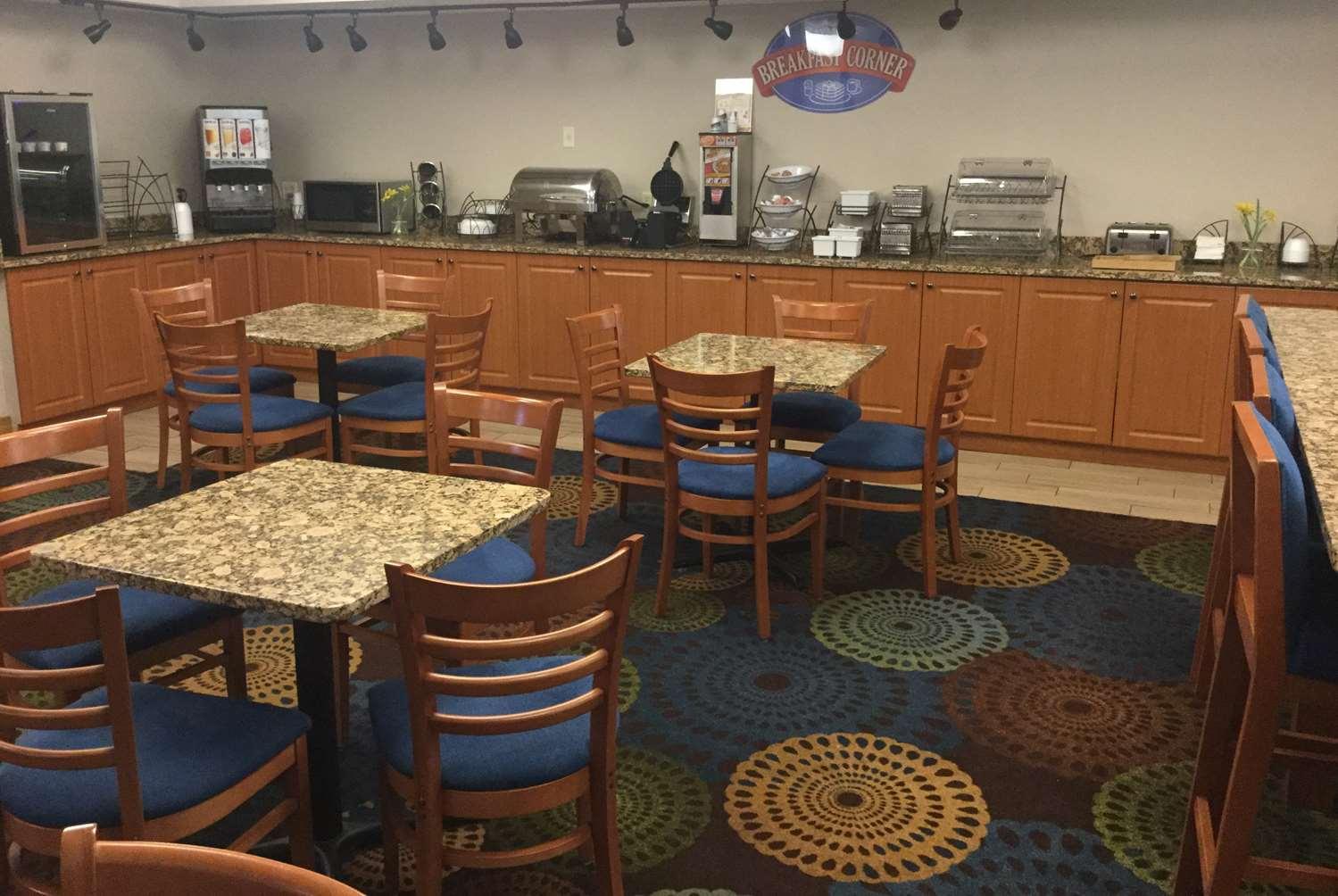 Restaurant - Baymont Inn & Suites Mishawaka