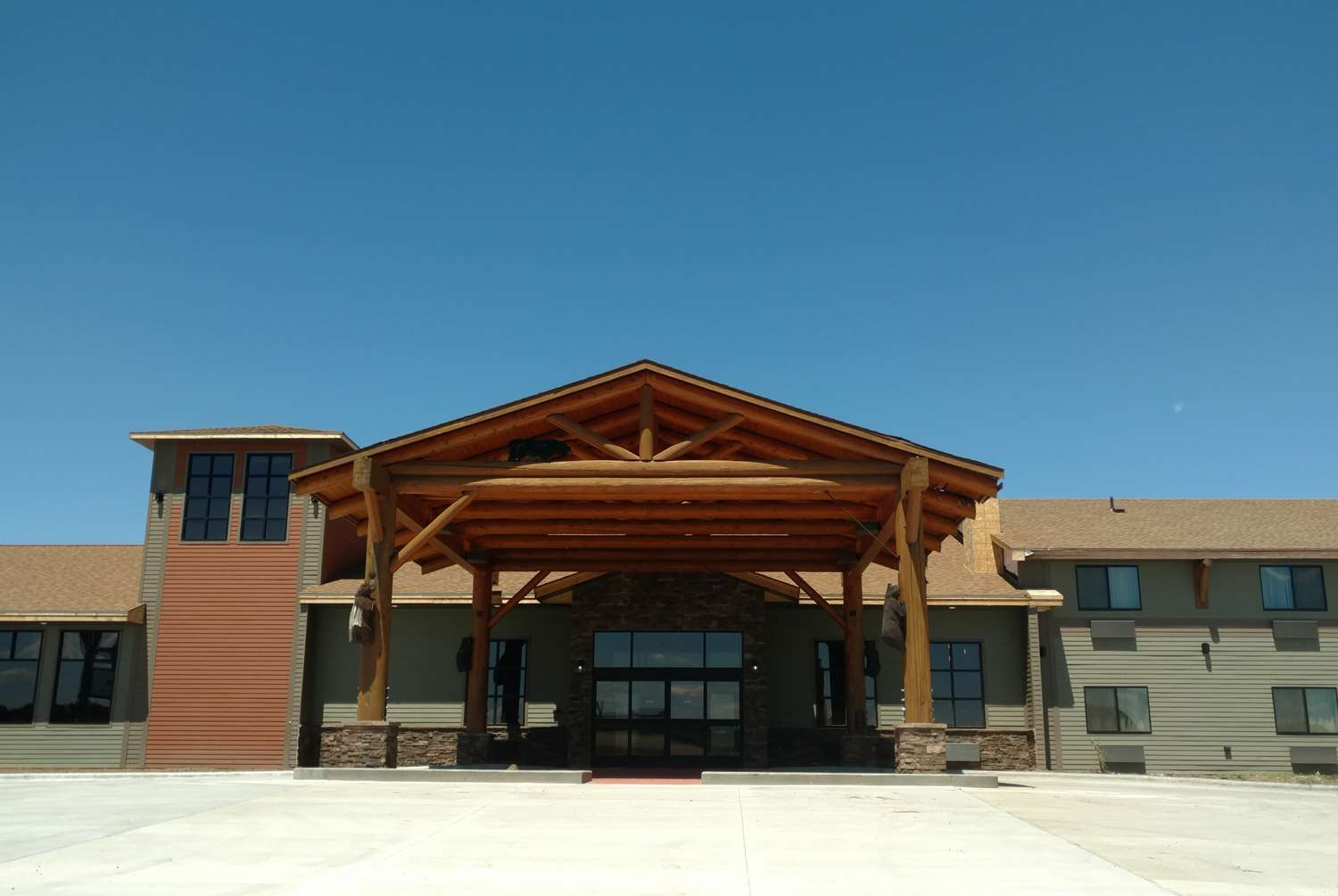 Exterior view - Baymont Inn & Suites Oacoma