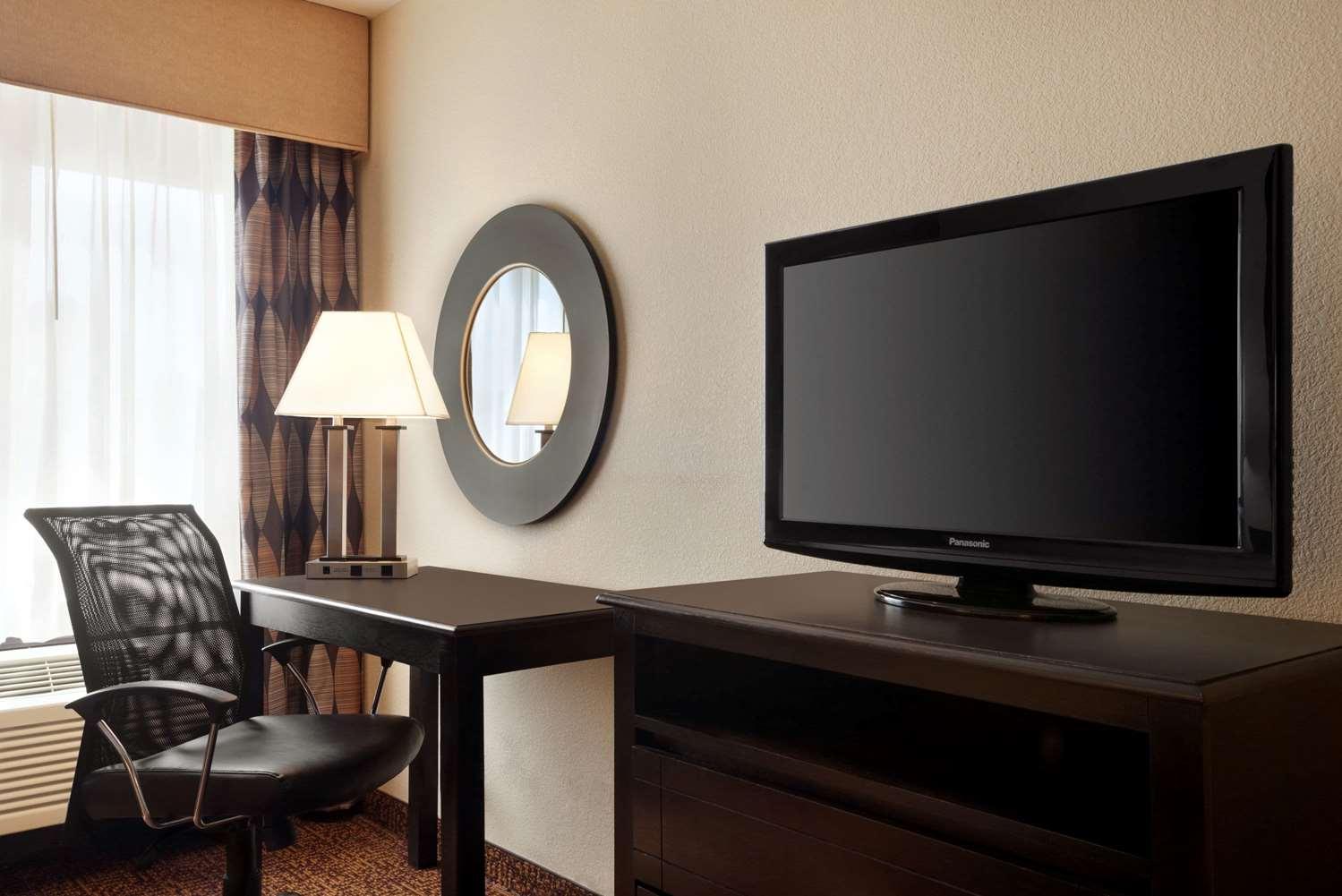 Room - Super 8 Hotel North Des Moines
