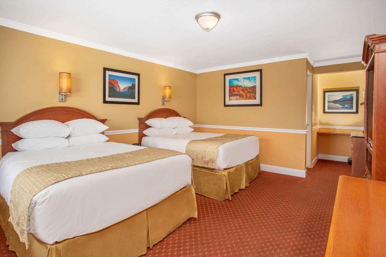 Room - Travelodge Hawthorne