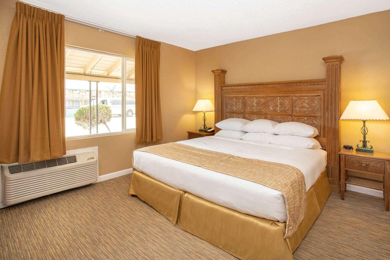 Suite - Travelodge Hawthorne