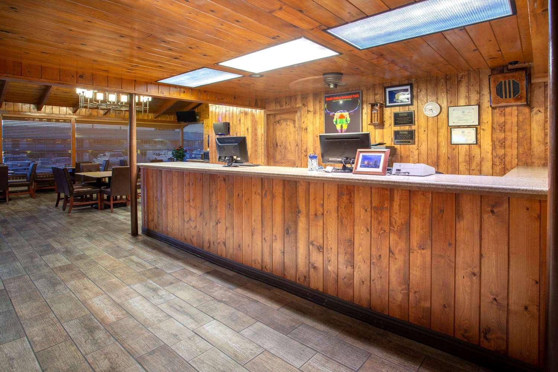 Lobby - Travelodge Hawthorne