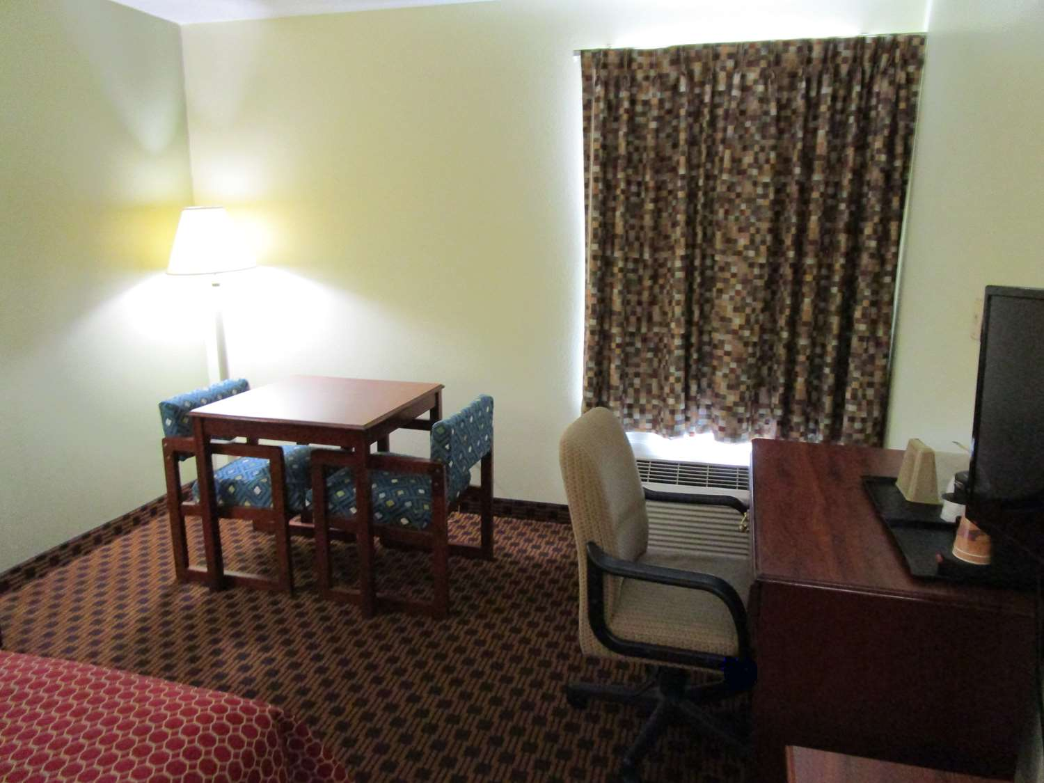 Amenities - SureStay Plus Hotel Hamilton Place Mall Chattanooga