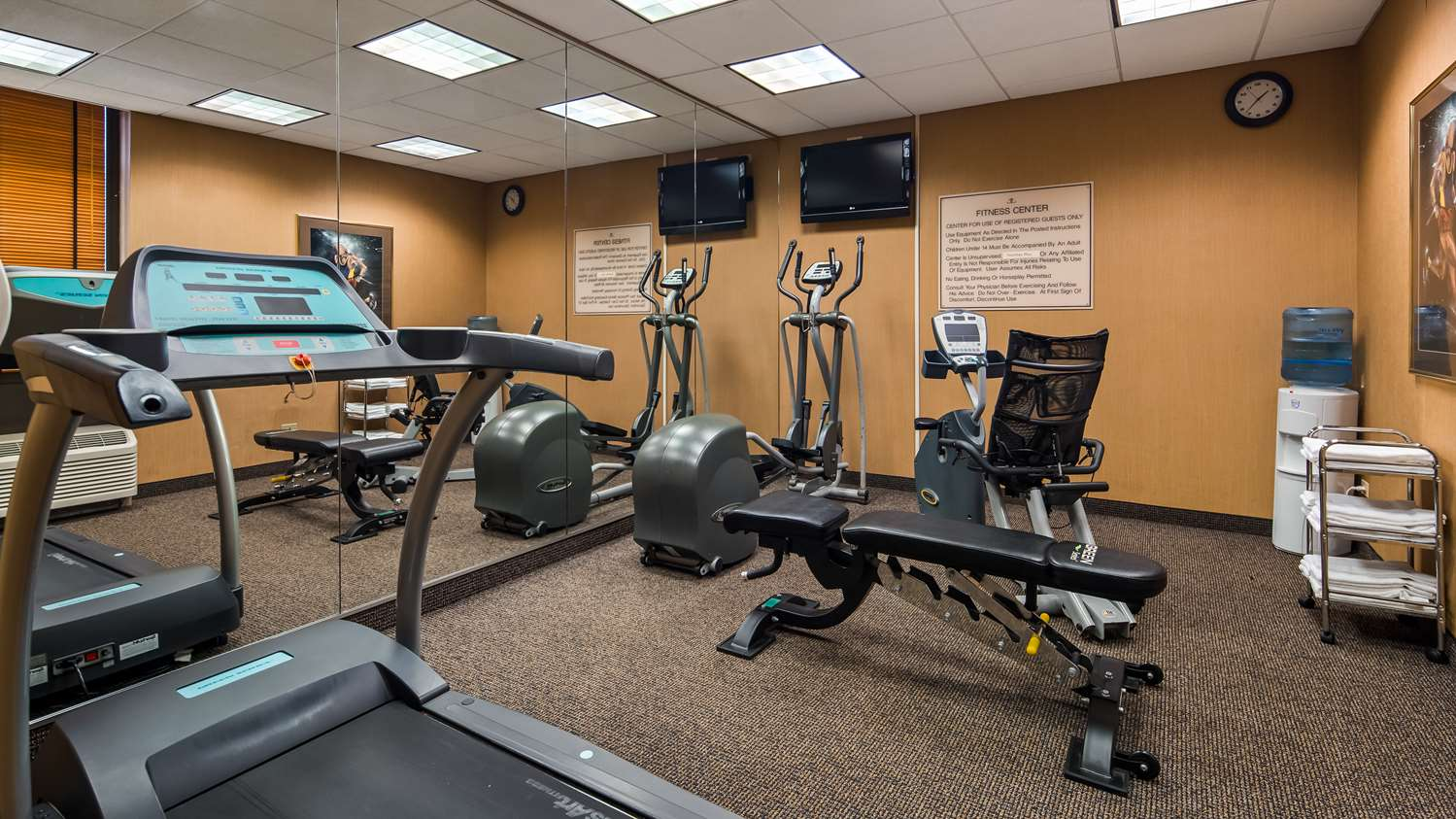 Fitness/ Exercise Room - SureStay Plus Hotel Lombard