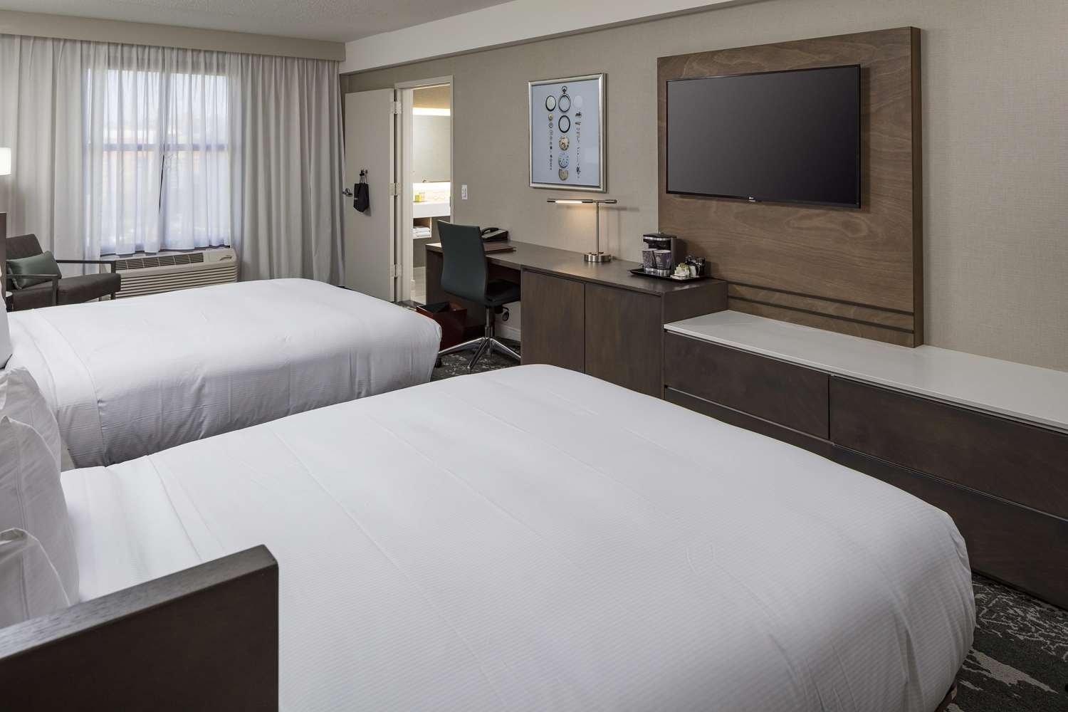 Room - DoubleTree by Hilton Hotel Logan Airport Chelsea