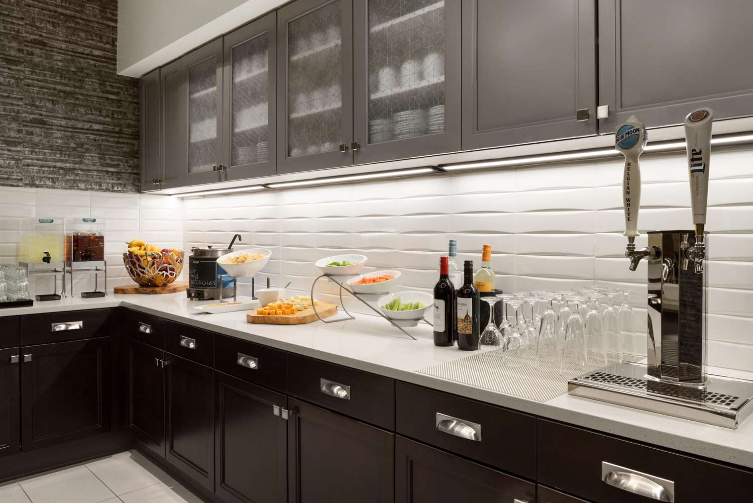 Restaurant - Homewood Suites by Hilton Downtown Milwaukee
