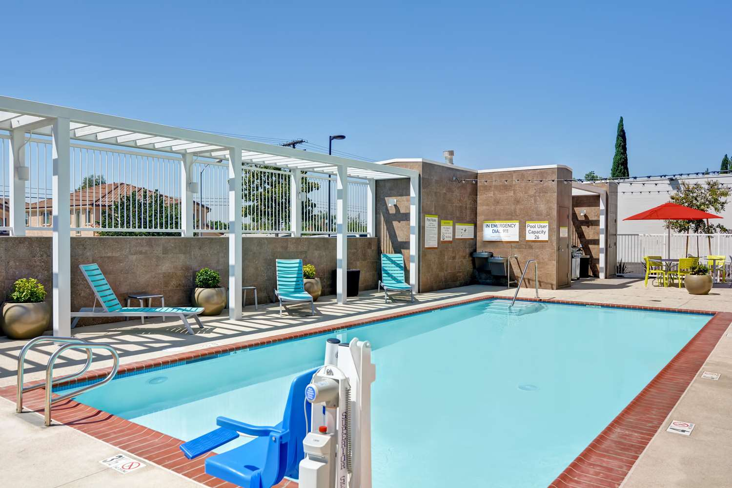 Pool - Home2 Suites by Hilton Azusa