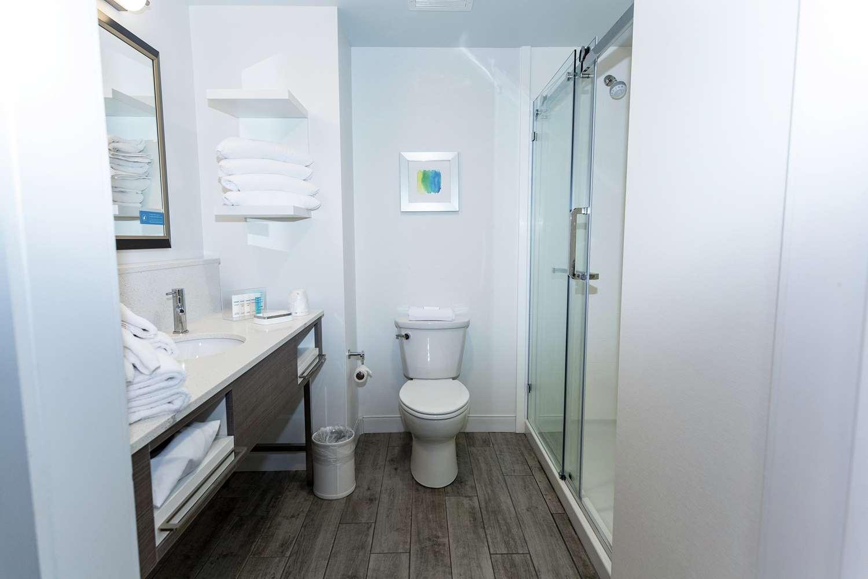 Room - Hampton Suites Syracuse North