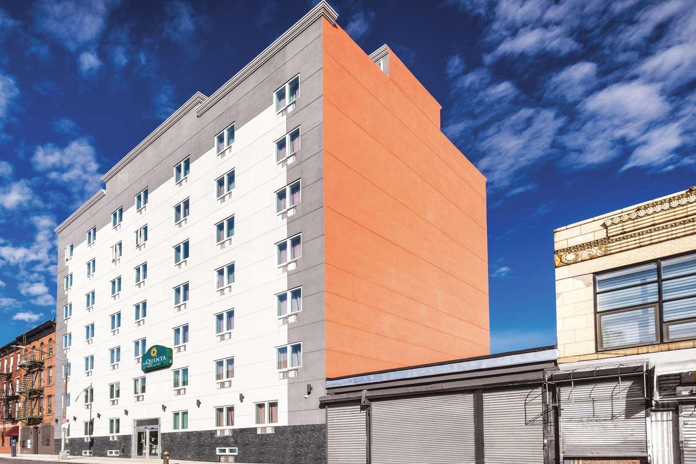 Exterior view - La Quinta Inn & Suites Central Brooklyn