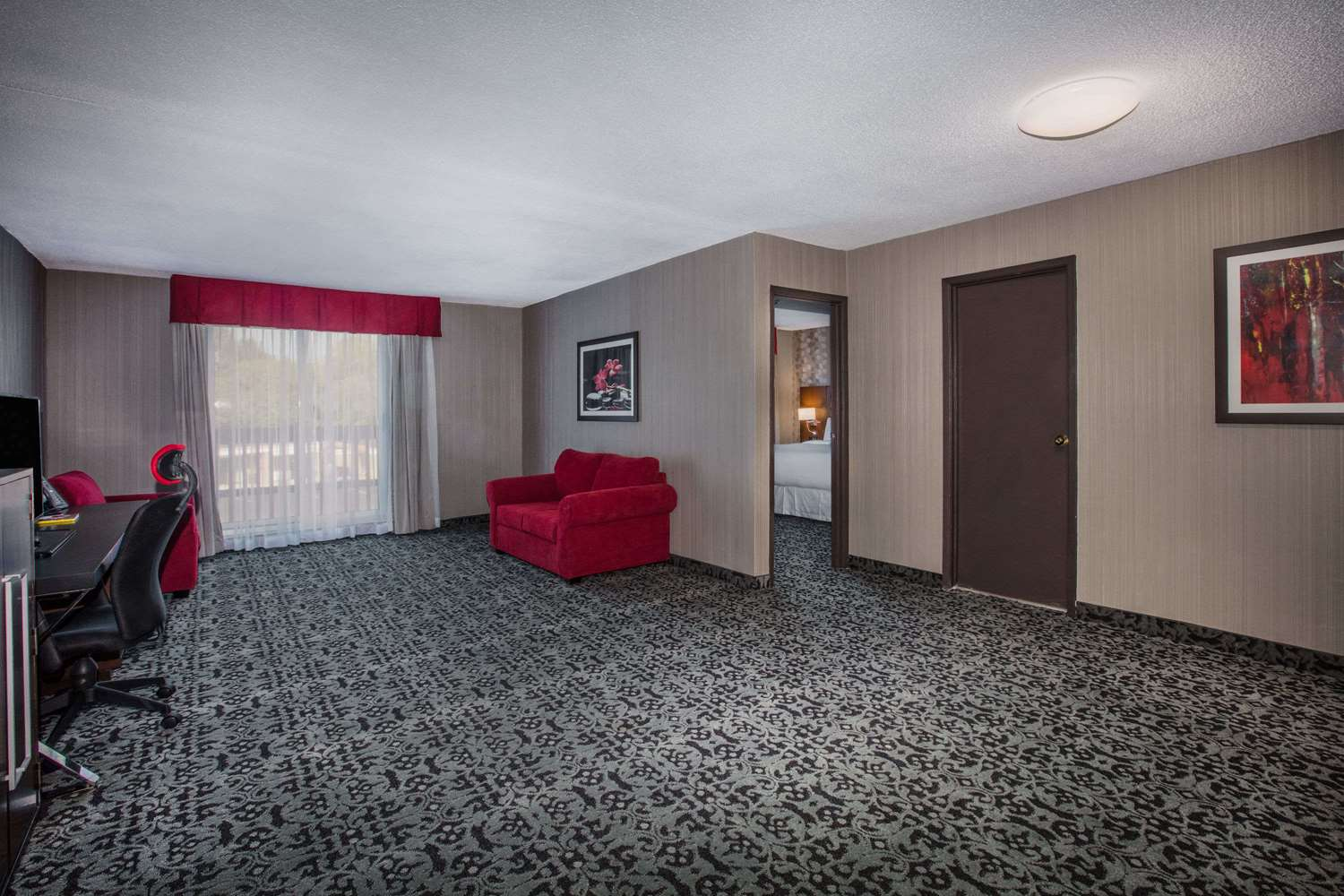 Suite - Ramada Hotel Jacksons Point
