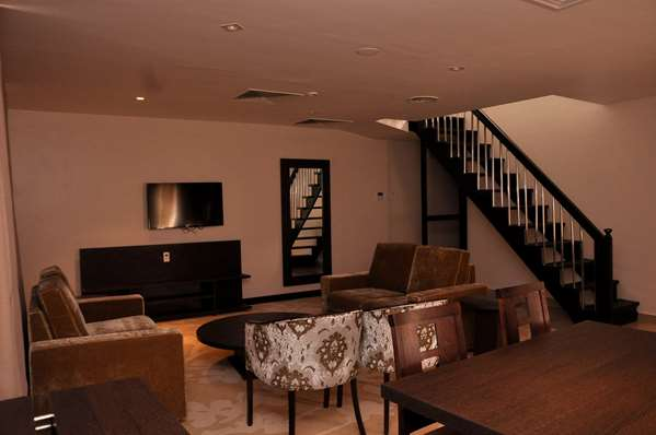 3 star hotel GOLDEN TULIP ONIRU SUITES