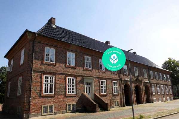 فندق HOTEL PELLI HOF RENDSBURG BY TULIP INN