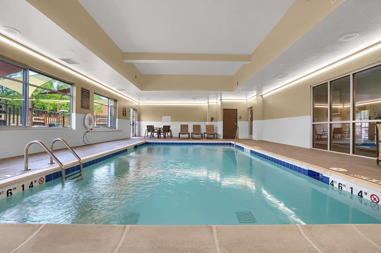 Pool - Best Western Plus Executive Residency Fillmore Inn Colorado Springs