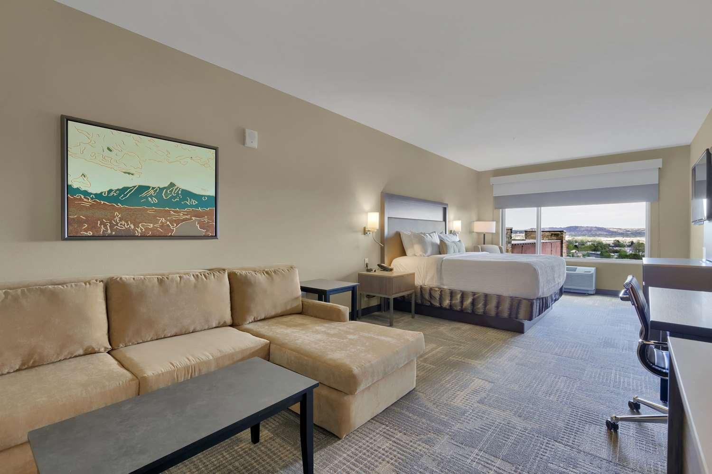 Suite - Best Western Plus Executive Residency Fillmore Inn Colorado Springs