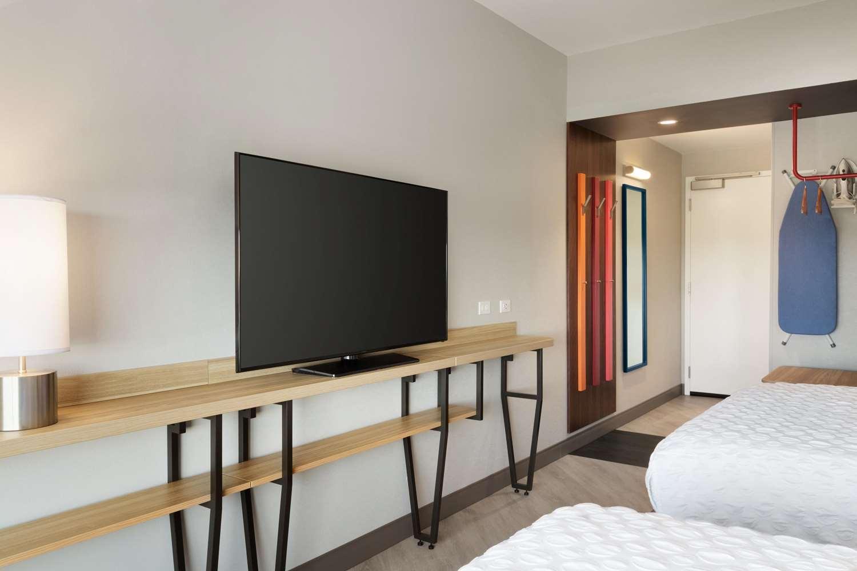 Amenities - Tru by Hilton Hotel East Lancaster