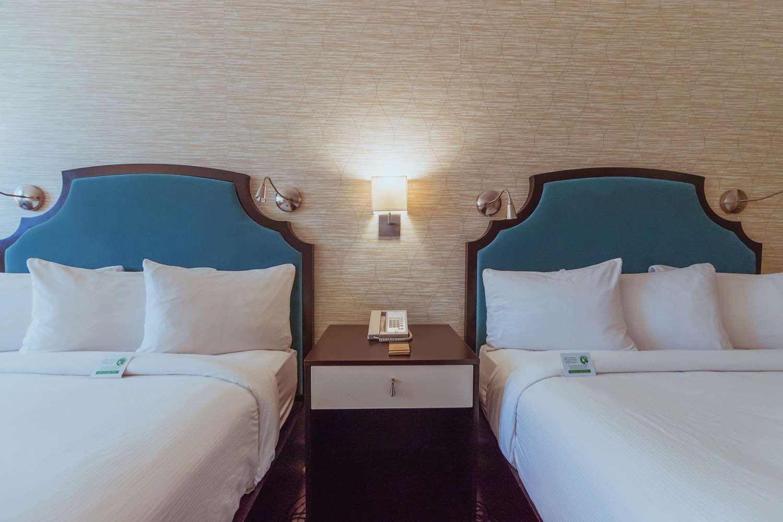 Room - Hotel Skyler Syracuse