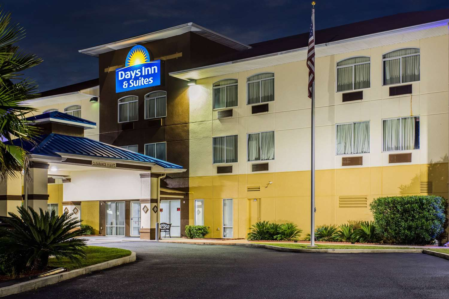 Exterior View Days Inn Suites Foley