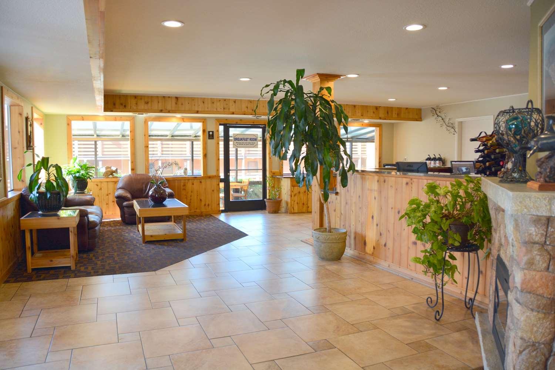 Lobby - SureStay Plus Hotel by Best Western Gold Beach