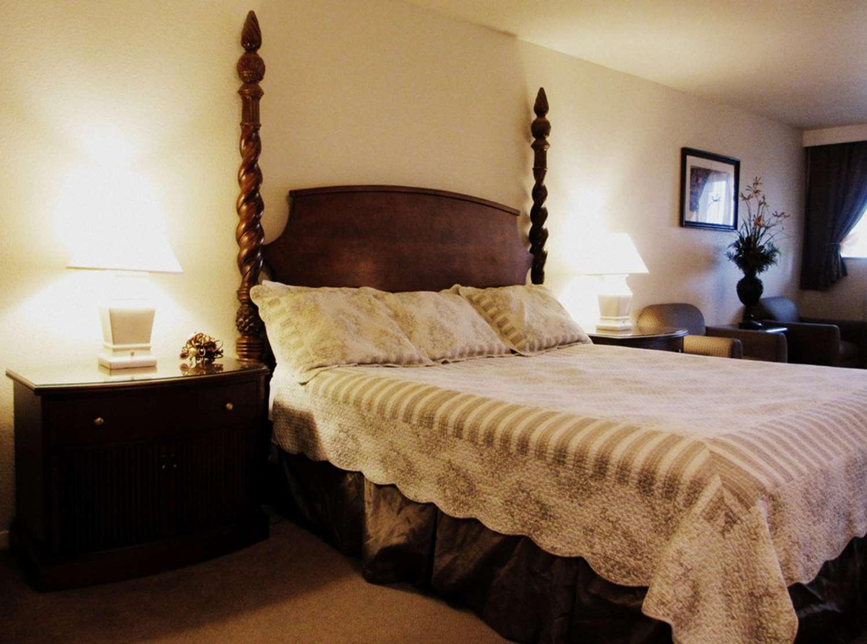 Suite - SureStay Plus Hotel by Best Western Gold Beach