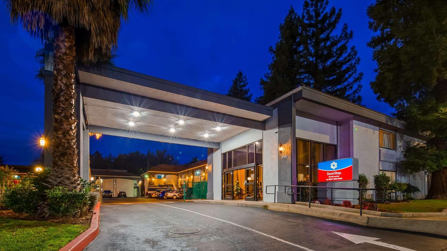 Exterior view - SureStay Plus Hotel by Best Western North Sacramento
