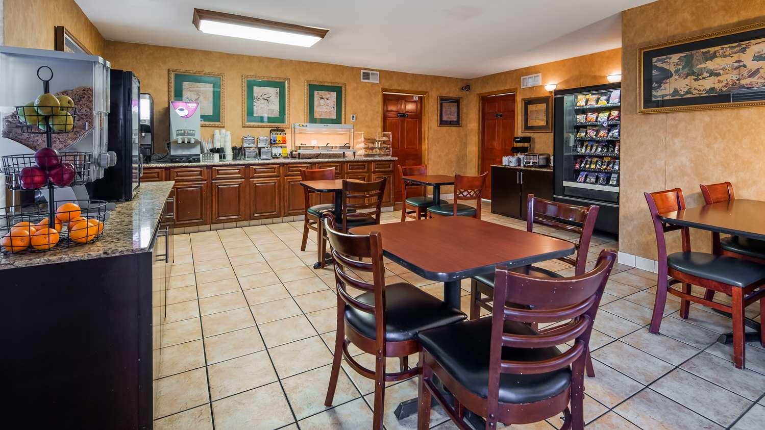 Restaurant - SureStay Plus Hotel by Best Western North Sacramento