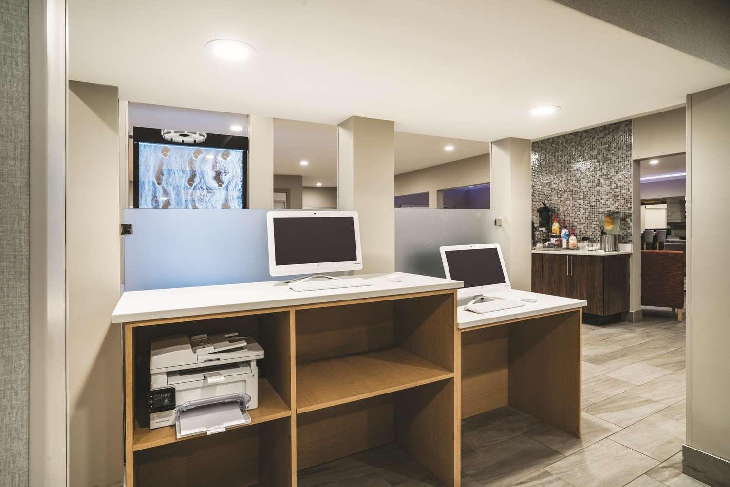 Conference Area - La Quinta Inn & Suites Hixson