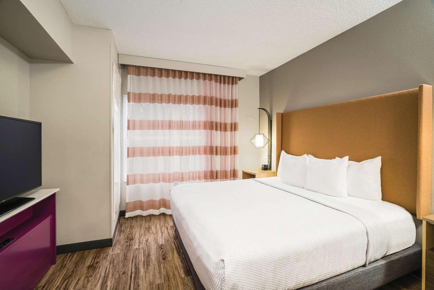 Suite - La Quinta Inn & Suites Hixson