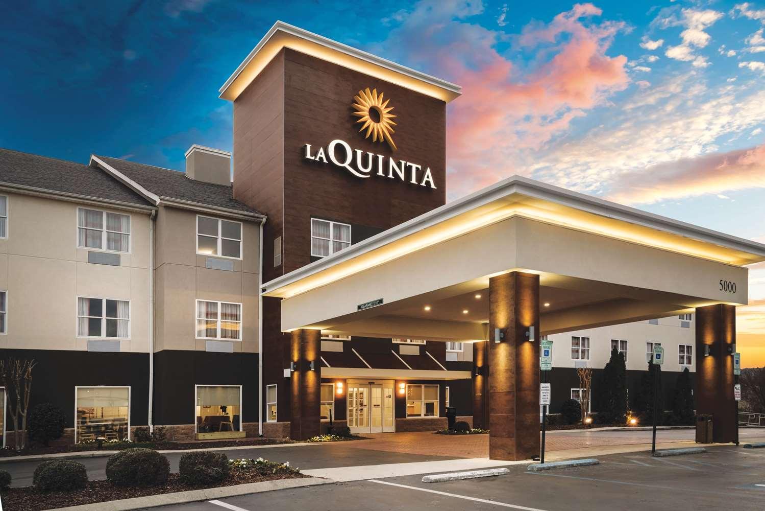 La Quinta Inn & Suites Hixson, TN - See Discounts