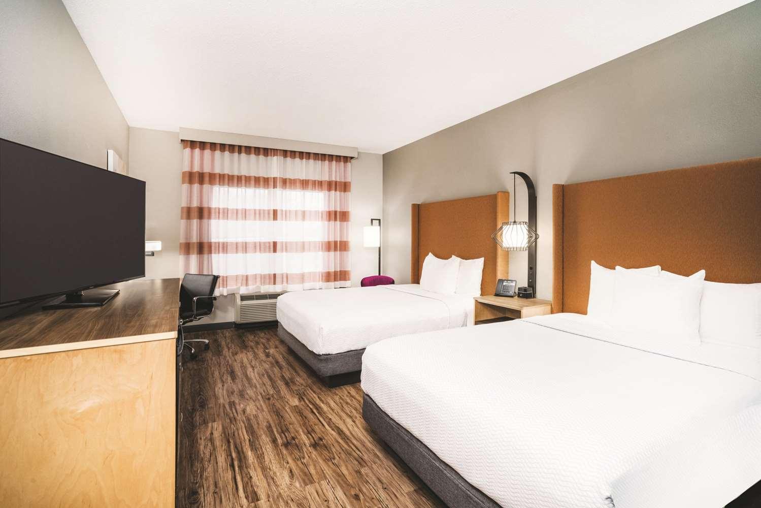 Room - La Quinta Inn & Suites Hixson
