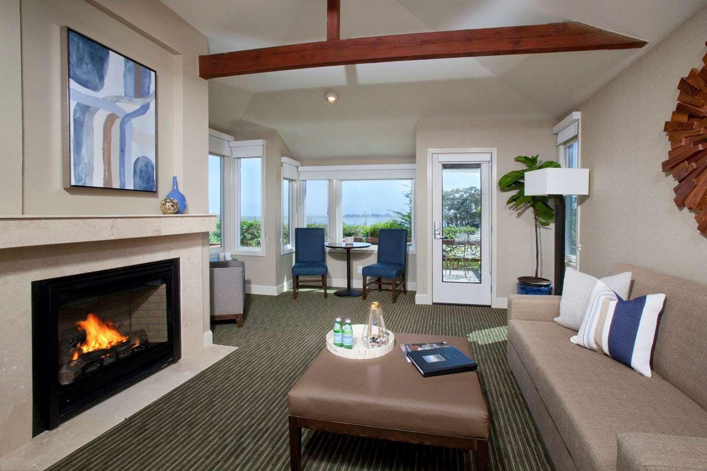 Suite - Inn at the Tides Bodega Bay