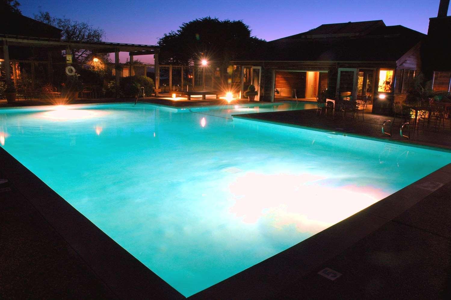 Pool - Inn at the Tides Bodega Bay