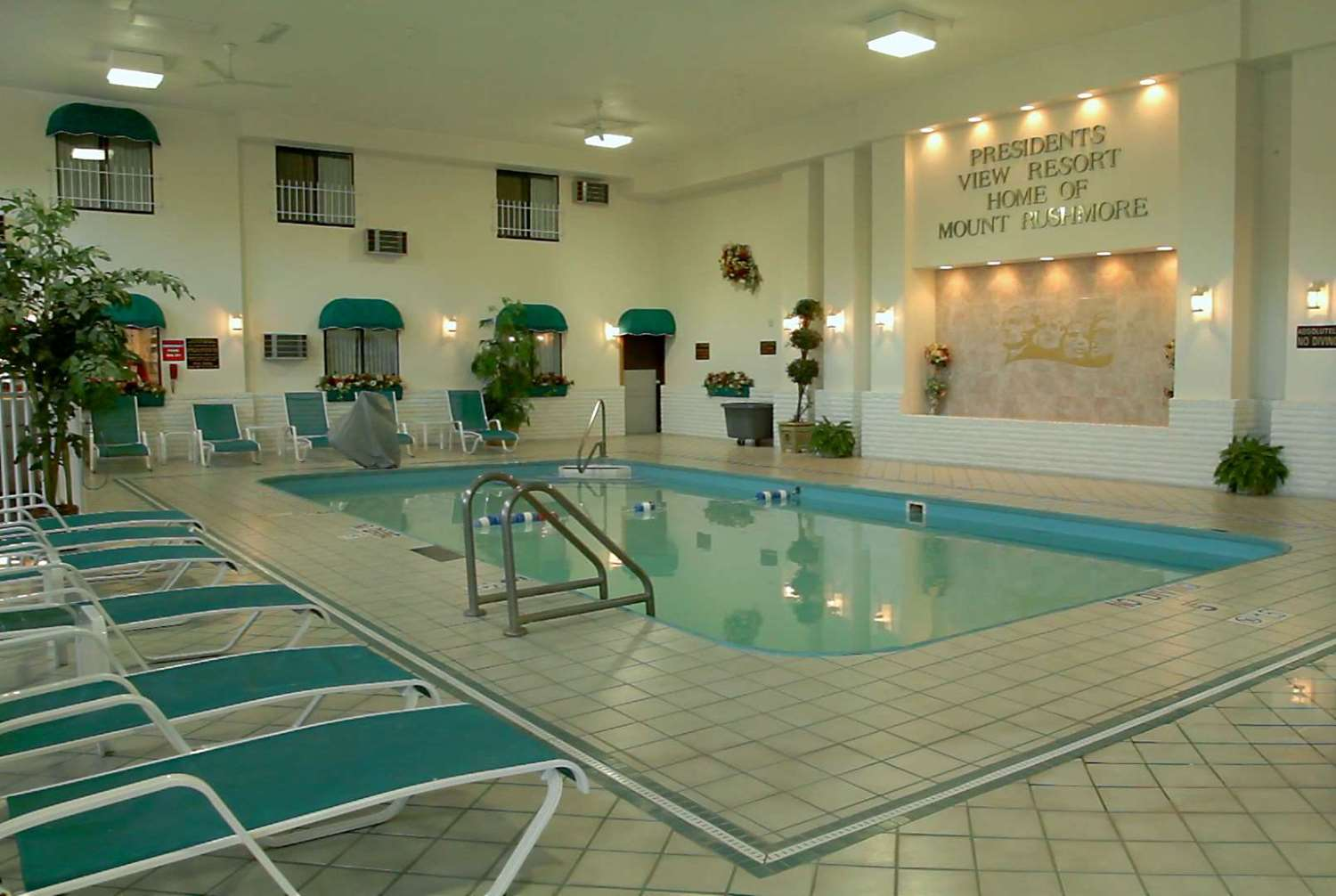 Pool - Baymont Inn & Suites Mt Rushmore Keystone