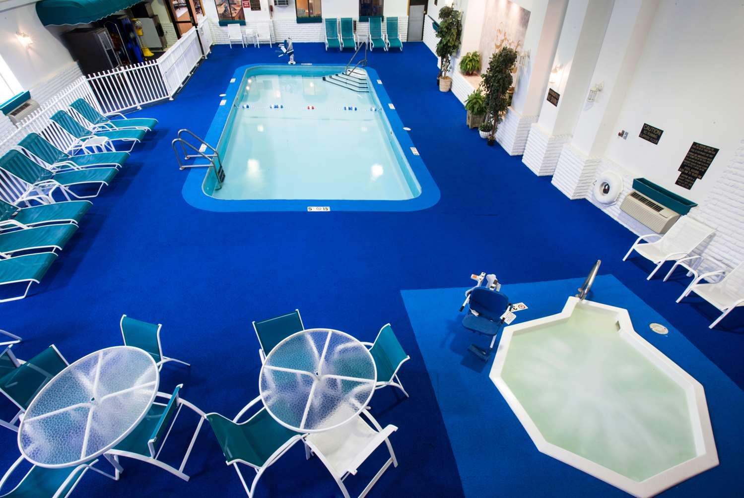 Pool - Baymont Inn & Suites Mt Rushmore Keystone