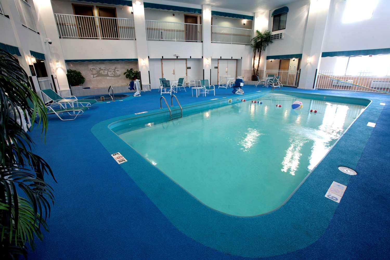 Pool - Ramada Hotel Mt Rushmore Keystone
