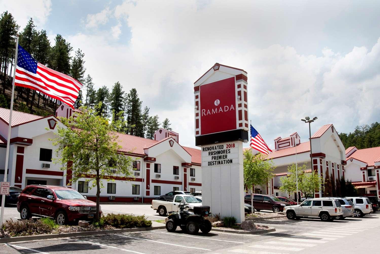 Exterior view - Ramada Hotel Mt Rushmore Keystone