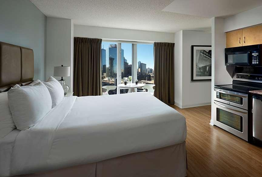 Suite - Pantages Suites Hotel & Spa Toronto