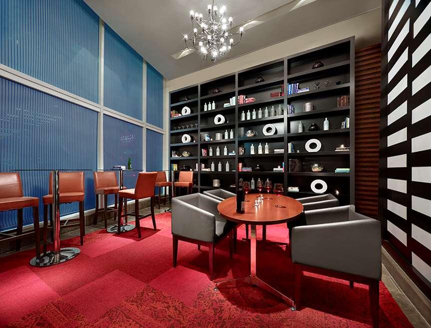 Bar - Pantages Suites Hotel & Spa Toronto