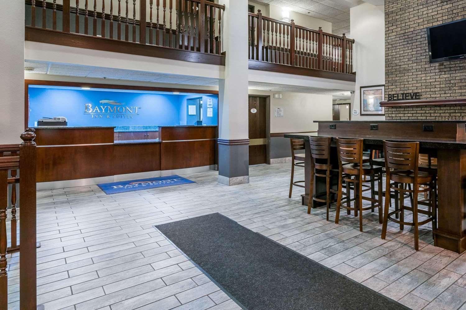 Lobby - Baymont Inn & Suites Richfield