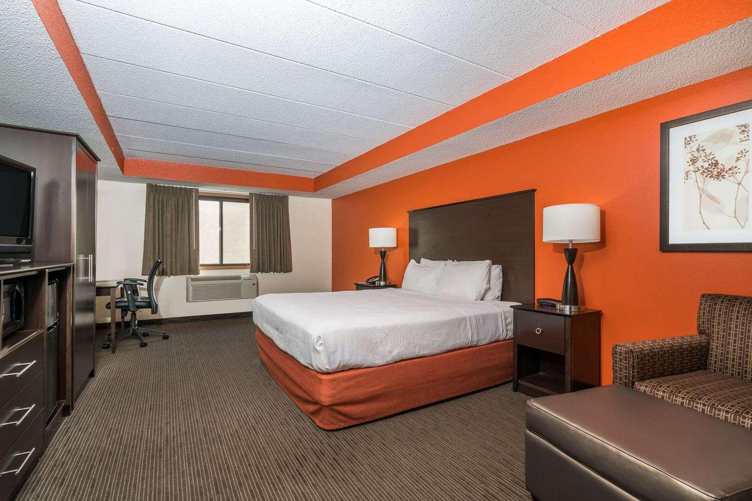 Suite - Baymont Inn & Suites Richfield