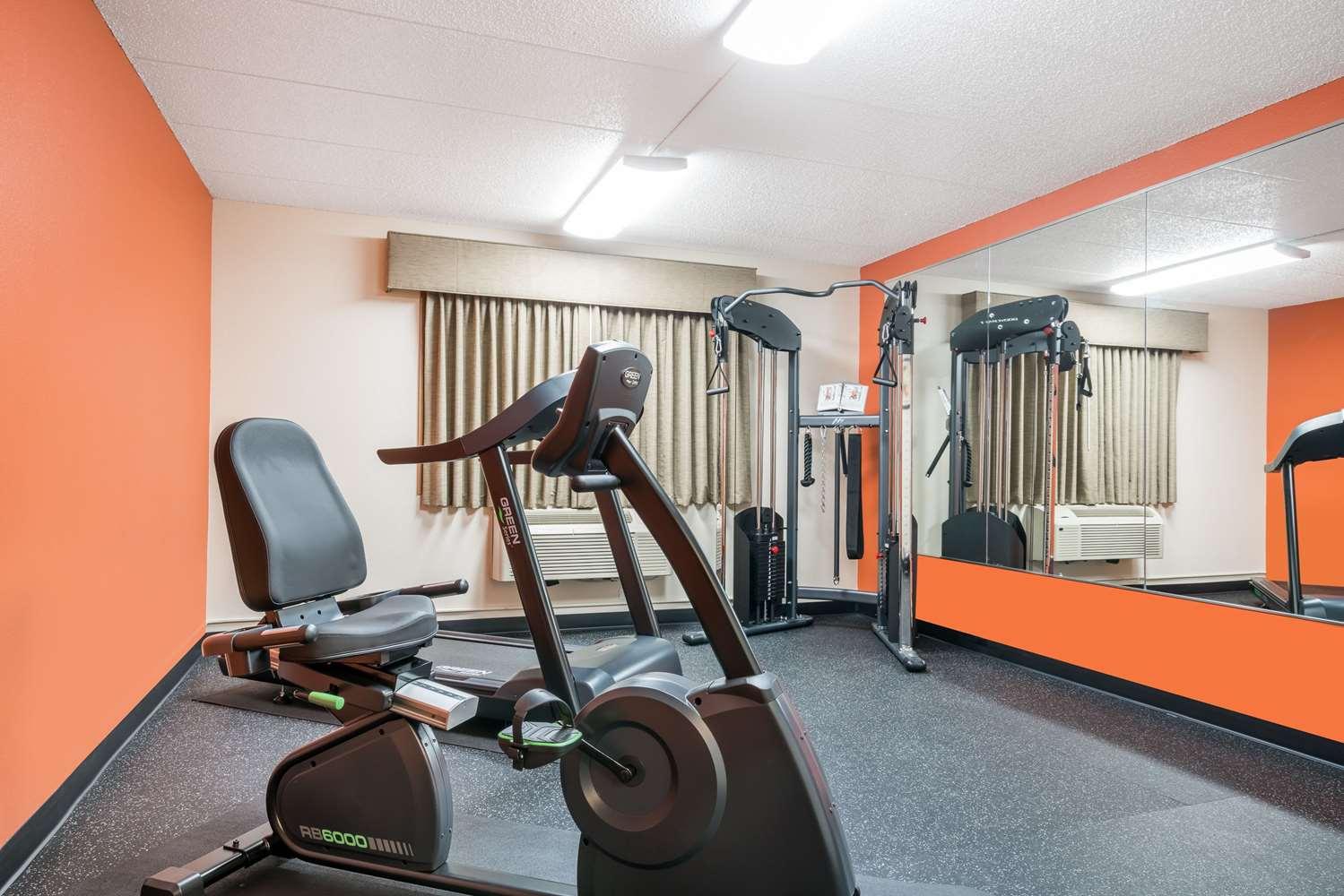 Fitness/ Exercise Room - Baymont Inn & Suites Richfield