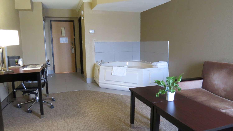 Amenities - Best Western Harrisburg North Hotel