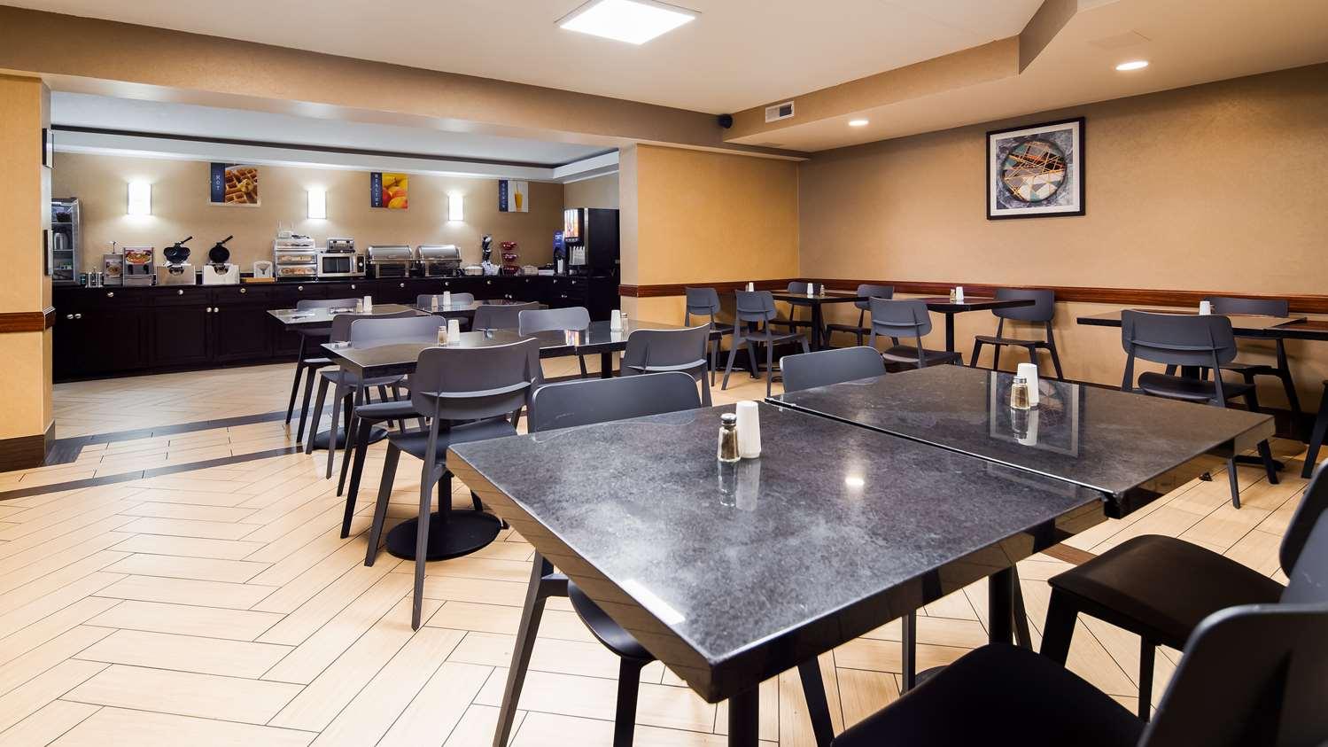 Restaurant - Best Western Harrisburg North Hotel