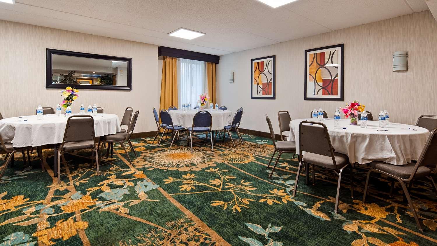 Meeting Facilities - Best Western Harrisburg North Hotel