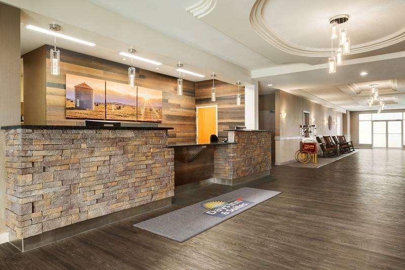 Lobby - Days Inn & Suites Brooks