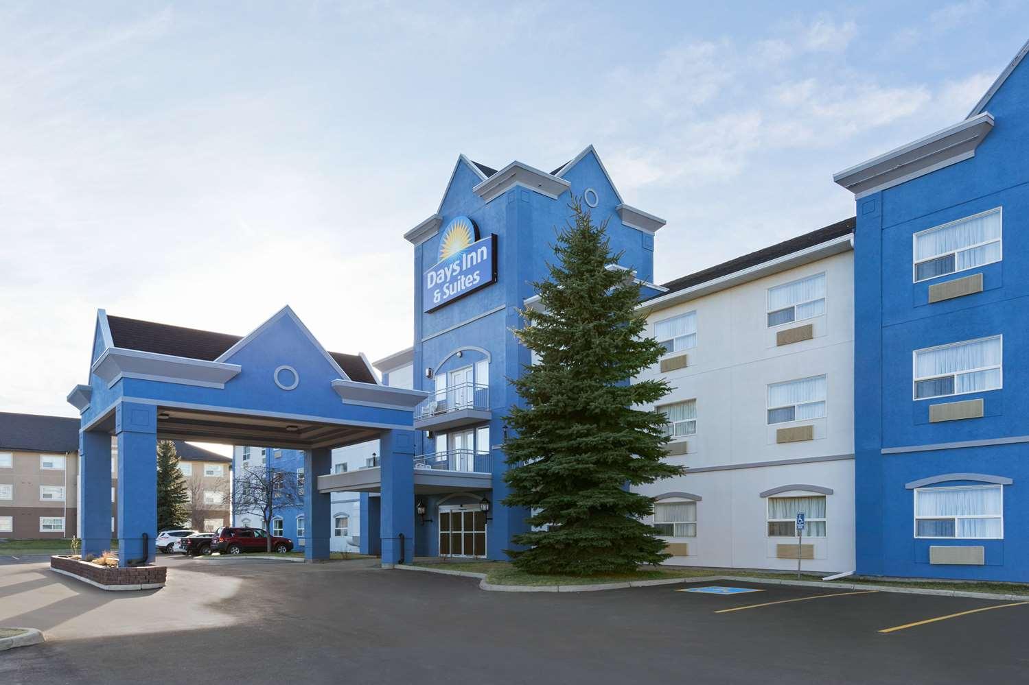 Exterior view - Days Inn & Suites Brooks