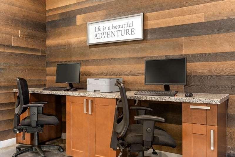 Conference Area - Days Inn & Suites Brooks