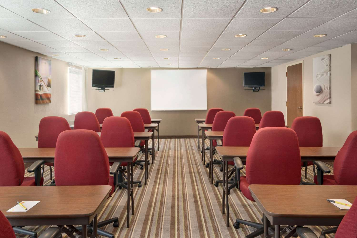 Meeting Facilities - Super 8 Hotel Chambersburg