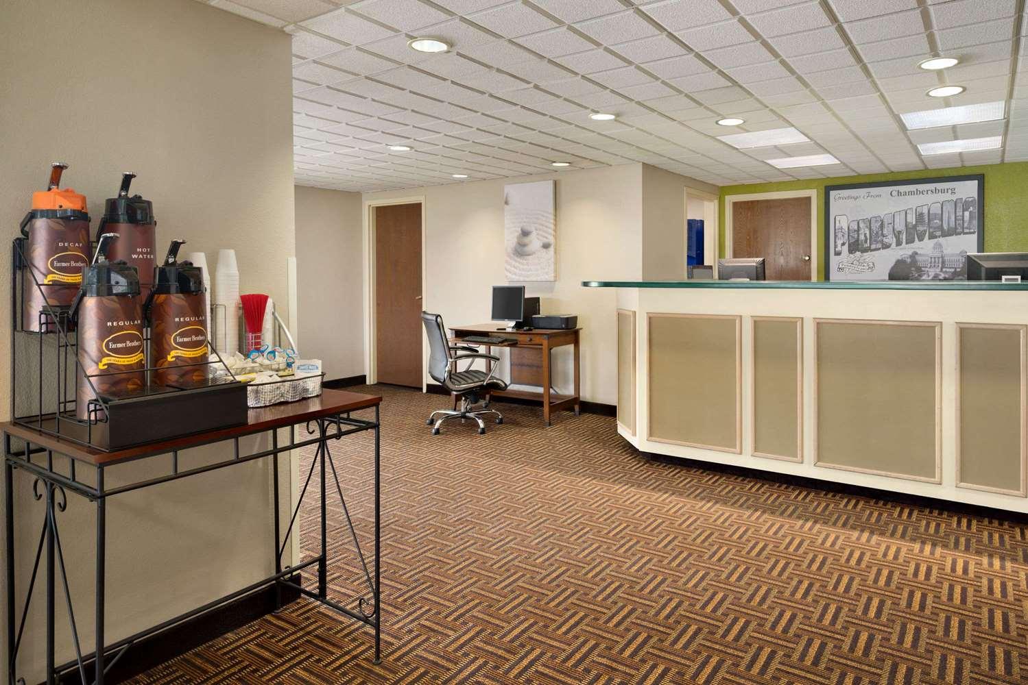 Lobby - Super 8 Hotel Chambersburg
