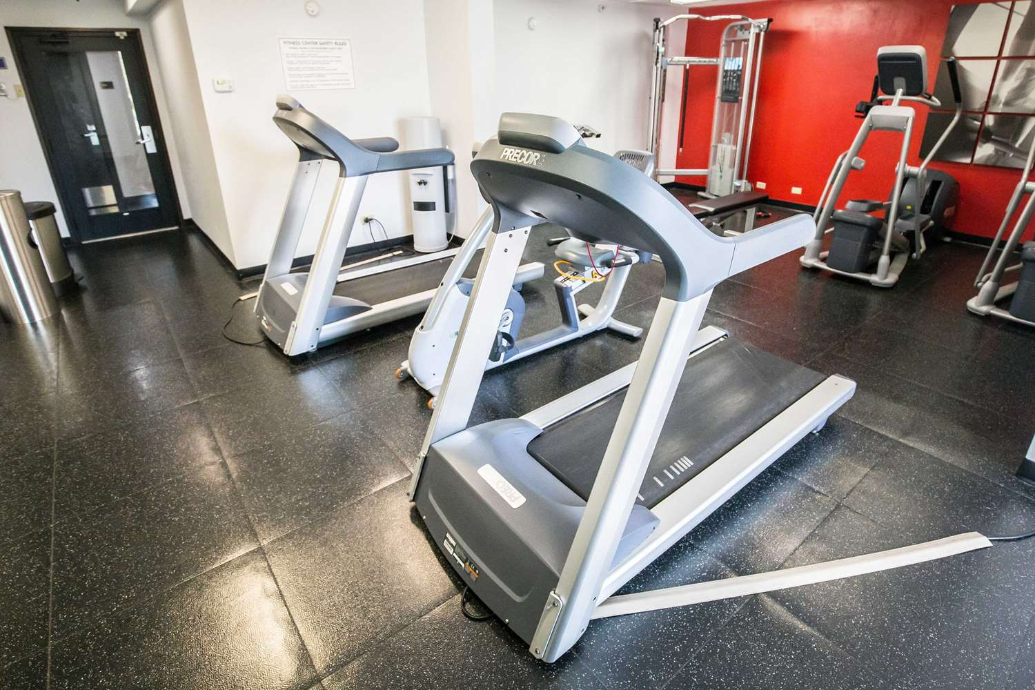 Fitness/ Exercise Room - Wyndham Hotel O'Hare Airport Des Plaines